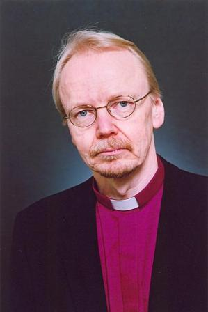 kari Mäkinen piispa 3
