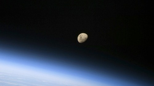 Earth_in_space1