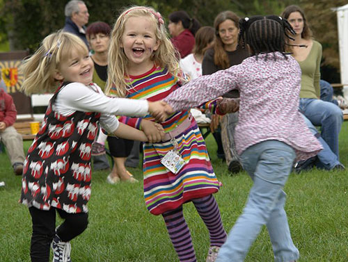 Children_dancing