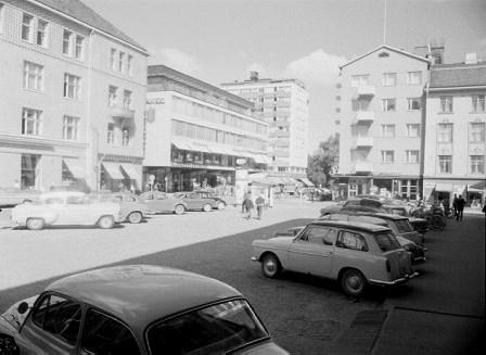 Oulu, Sokos-aukio 1963. - Kuva: Pohjois-Pohjanmaan museo, Uuno Laukan kokoelma.