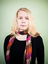 Esikoiskirjailija Pauliina Rauhala (Kuva: Gummerus/Pekka Niittyvirta.)