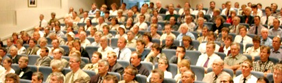 Puhujien ja seurakuntavanhinten kokous Perhon keskuskoululla.