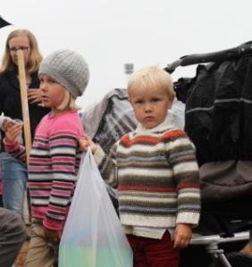 Lapset_Keraavat_roskat_Suviseurat