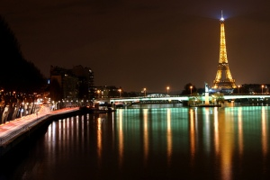 Paris-at-Night-Eiffel-Tower-Lights